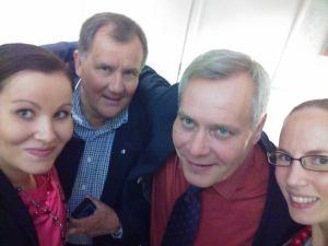 Selfie SDP:n puheenjohtaja ja tovereiden kanssa 2014